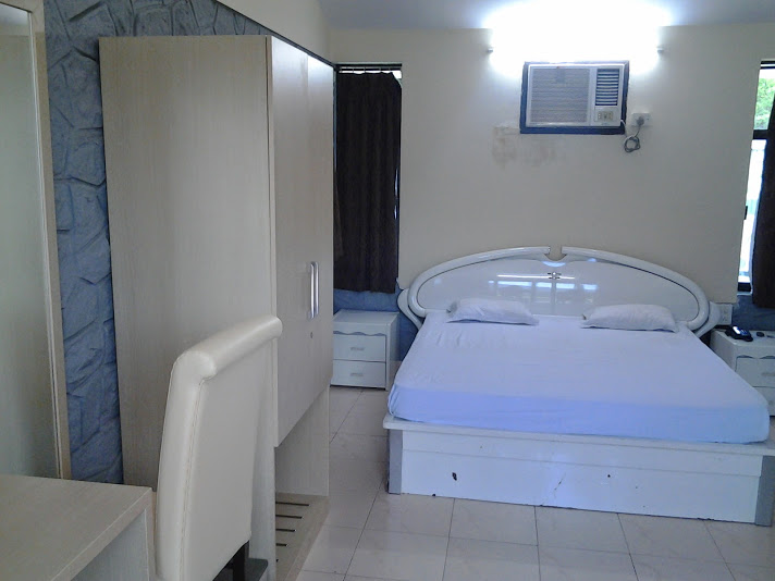 Ac Super Deluxe Room Inside View